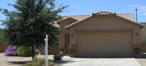Spacious home for sale with large lot in San Tan Valley, Arizona.