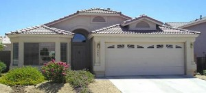 This 3 bedroom 2 bath North Phoenix rental home in Eagle Ridge is on a good south facing lot and located in close proximity to many popular North Phoenix amenities.