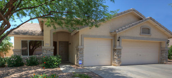 This Mesa Arizona home for sale in Stonegate Estates could be the perfect house for your family.